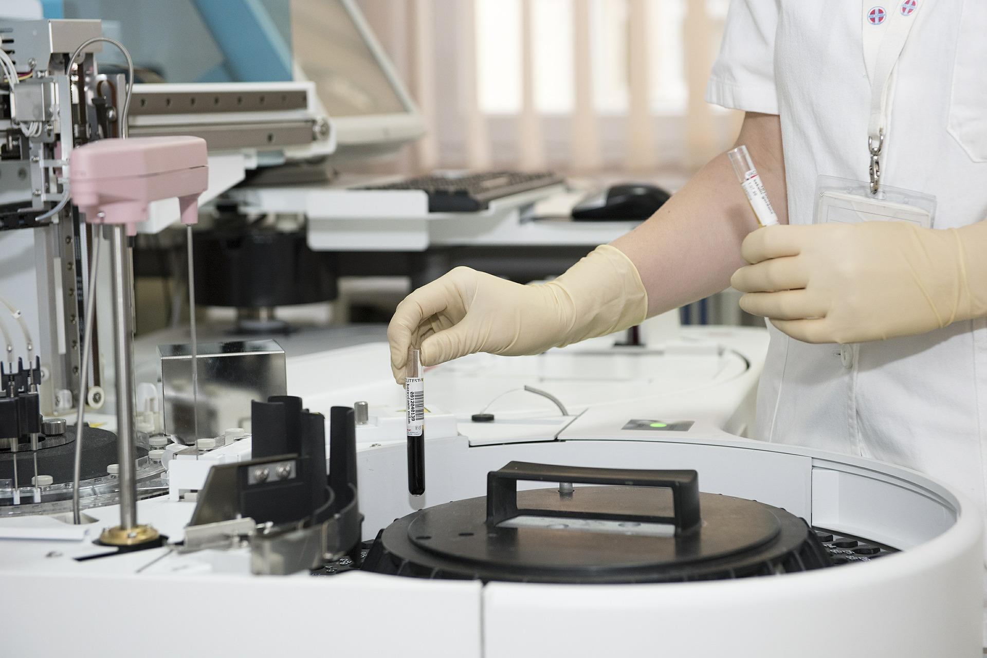 Vérplazmával gyógyíthatóak a koronavírusos betegek